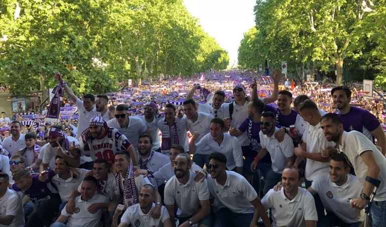 Valladolid se echa a la calle para acompañar a su equipo