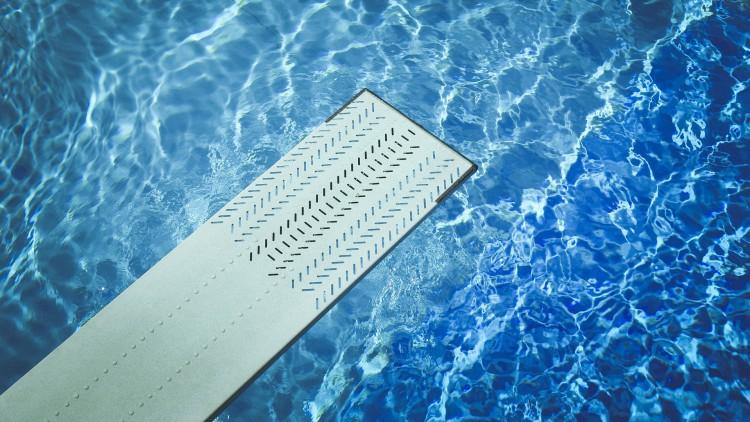 Un niño de seis años muere ahogado en la piscina municipal de Tàrrega