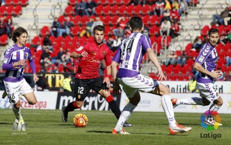 Roigé y Samuel, en el partido Mallorca - Valladolid (tempo 2016-17)