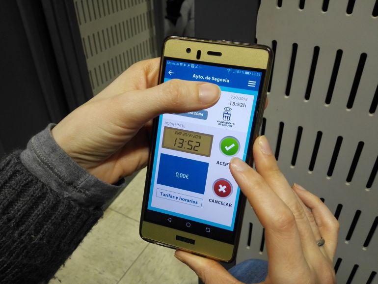 Los usuarios de E-park no pagarán por la recarga de saldo de esta aplicación móvil
