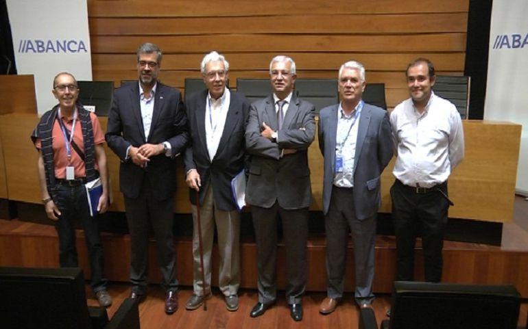Presentación de los resultados de la campaña de recogida de comida de la Cámara de Comercio de Tui para el Banco de Alimentos de Vigo en la sede de Abanca