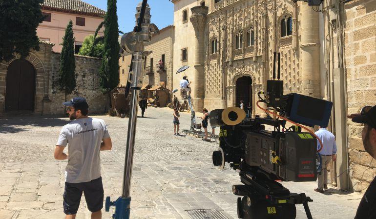 La plaza de la Santa Cruz de Baeza acoge el rodaje de la tvmovie 'Lope enamorado'