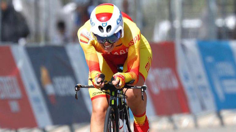 Sara Martín en pleno esfuerzo durante la crono de los Juegos del Mediterráneo.