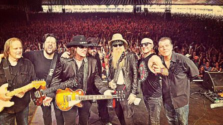 Billy Gibbons junto a supersonic blues machine