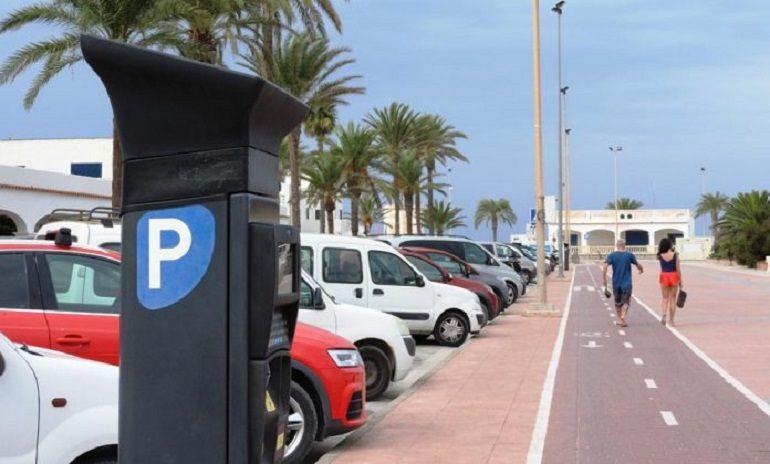 Aparcamientos regulados formentera contrata a 11 nuevos for Oficina zona azul ibiza