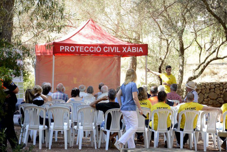 Jornada de la campaña 'Stop al foc' en Xàbia.