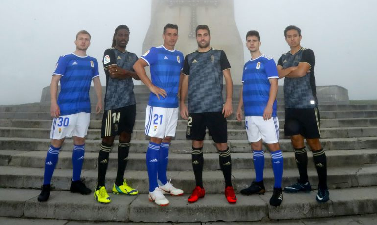 Presentación de las camisetas del Real Oviedo para la temporada 2018 - 2019