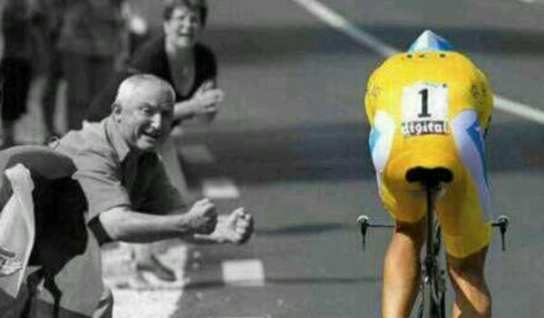 El ciclista de Pinto, durante una de sus cronos de amarillo