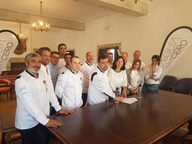 Presentación de la Asociación de Cociñeiros da Mariña en el Concello de Mondoñedo