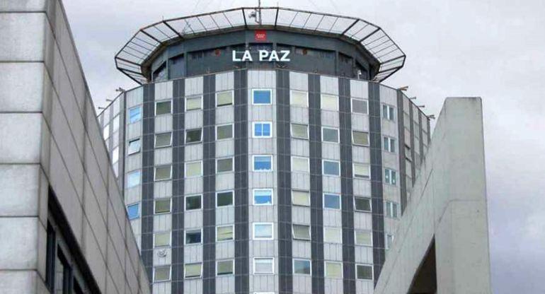 Un cadáver en el hueco de un ascensor del Hospital La Paz.