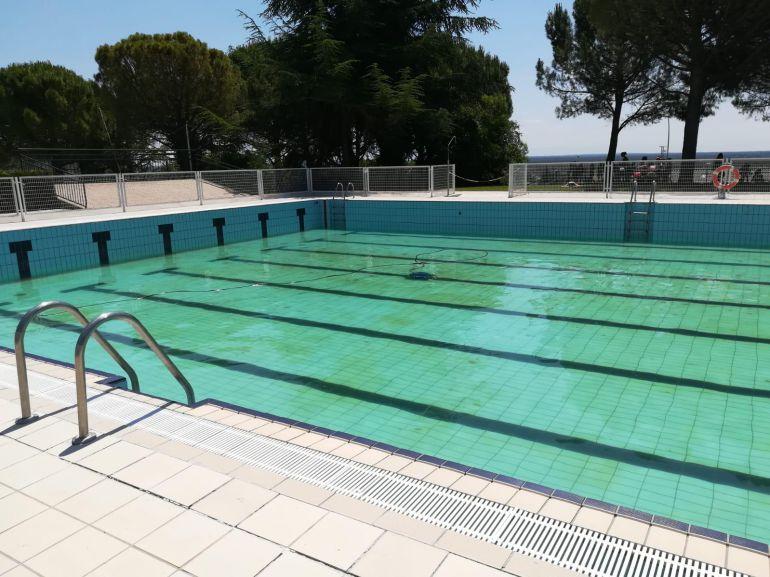 Estado de la piscina de verano de Cuéllar el martes 10 de julio al mediodía