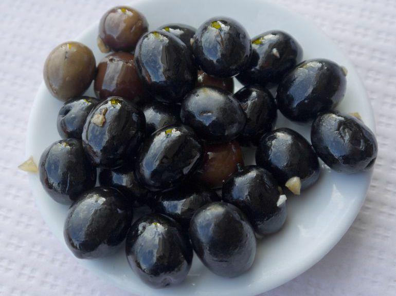 EEUU confirma los aranceles contra la aceituna negra española, según Asemesa