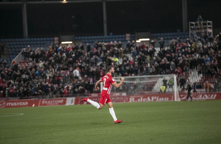 Marco Motta celebrando un gol.