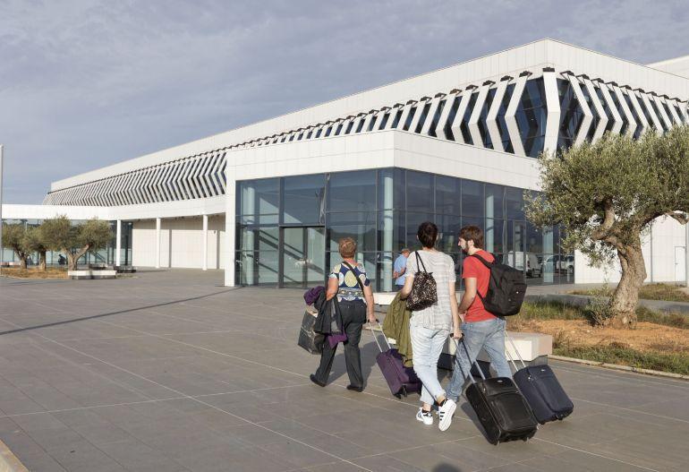 INFRAESTRUCTURAS: La empresa gestora del aeropuerto de Castellón pide 1 millón más al año