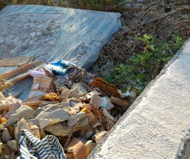 Playa Almazora: Denuncias de suciedad y basura en la playa de Almassora