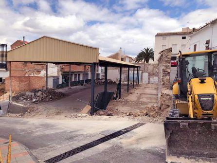 Trabajos de demolición dle antiguo mercado