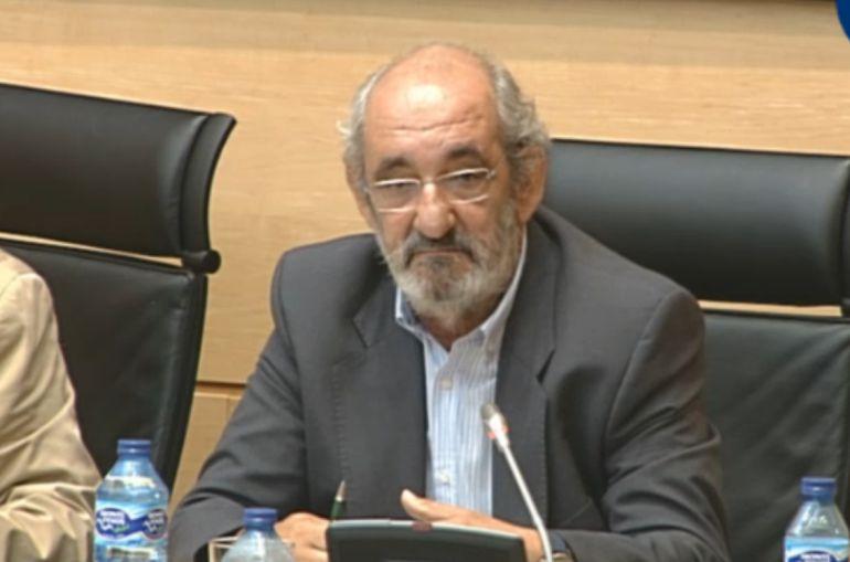 Santos Llamas, expresidente de Caja España, durante su comparecencia en la comisión de investigación de las cajas de ahorro