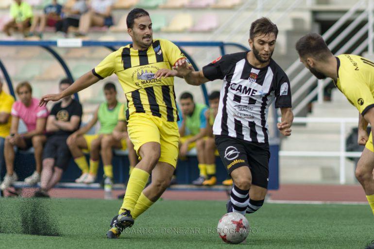 El nuevo jugador de la Gimnástica, Álex Conde, en un partido de la temporada pasada con el Haro Deportivo