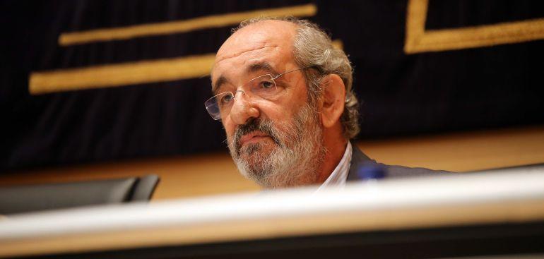Imagen de Santos Llamas en la comisión de las cajas