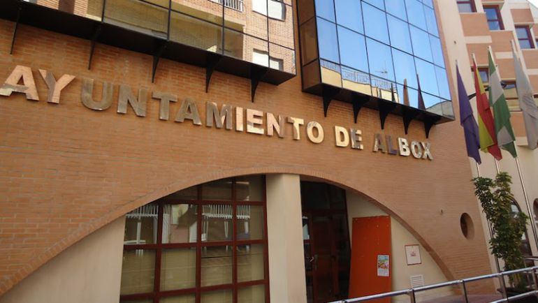 Desde 2015, con la condena de Rogelio Mena, el Ayuntamiento de Albox ha atravesado varias crisis.