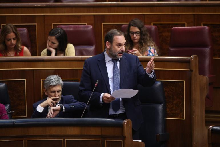 José Luis Ábalos, ministro de Fomento en la sesión de control