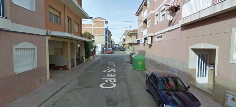 """Un niño de 3 años cae de un balcón en Mazarrón y un vecino """"lo coge en el aire"""""""