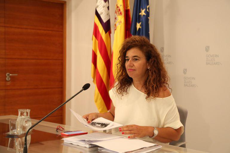 Pilar Costa durante la rueda de prensa posterior al Consell de Govern