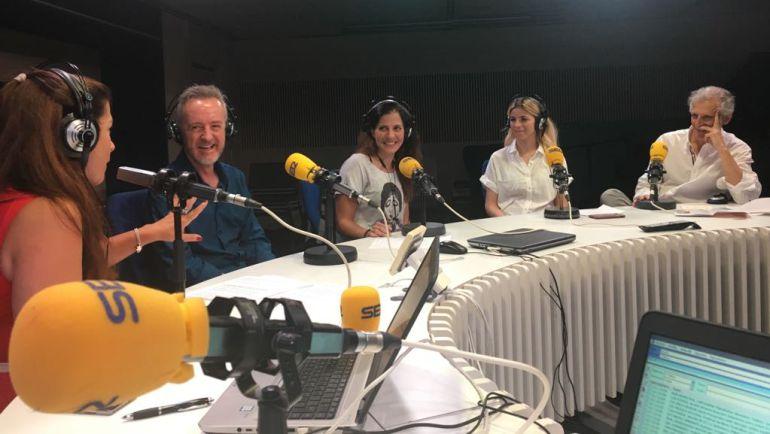Marta González Novo junto a Carlos Hipólito, Mariaca Semprún, Talía del Val y Francisco González