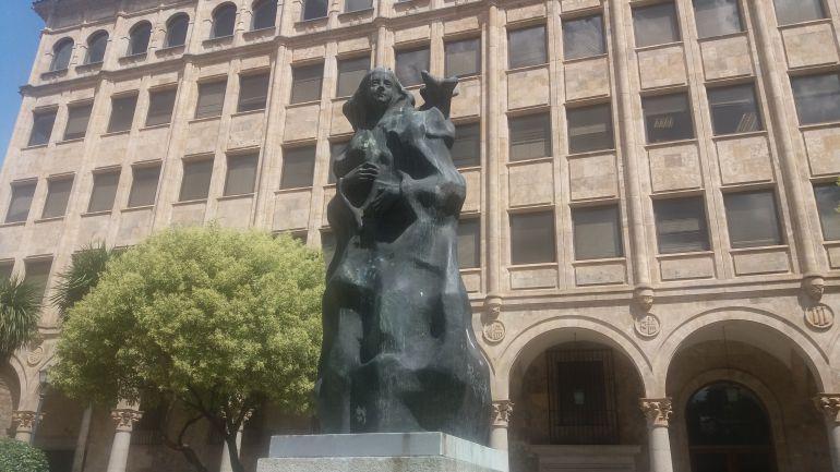 Universidad Salamanca Historia Distinción Teresa de Jesús Unamuno: Teresa de Jesús, honoris causa con todos los honores universitarios