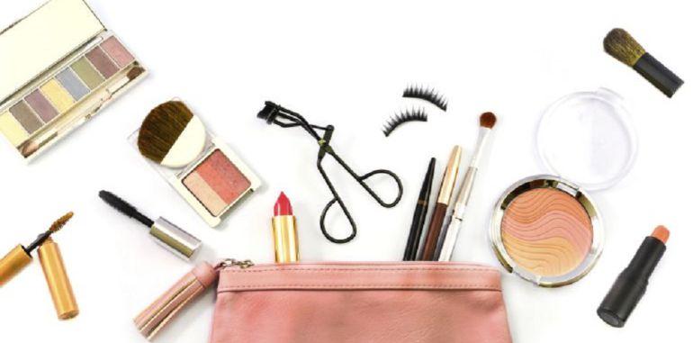 """Entrevista con la esteticien que imparten el taller de maquillaje oncológico en Arroyomolinos: Taller de """"maquillaje oncológico"""" en Arroyomolinos"""