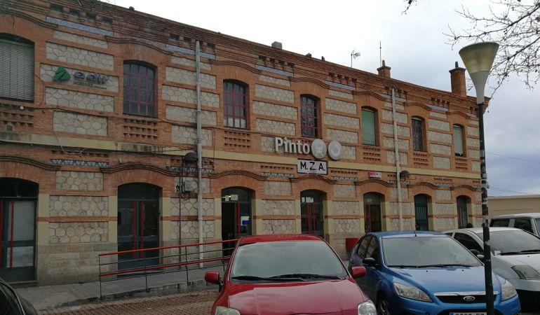 La estación de Pinto es una de las que cuenta con un pequeño aparcamiento disuasorio a veces no suficiente