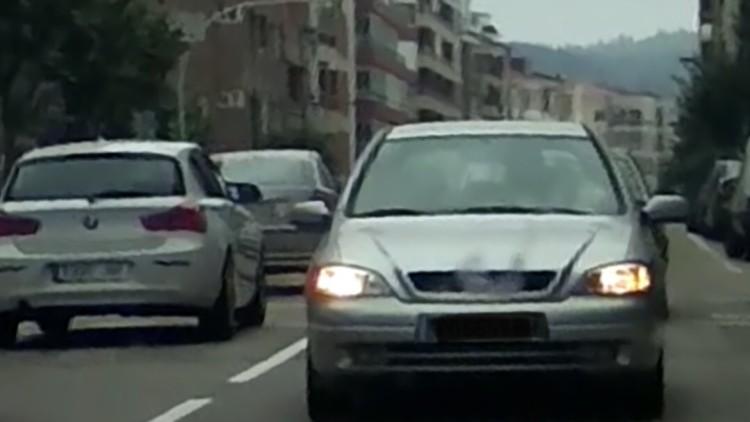 Detienen a un conductor que circulaba marcha atrás por las calles de Vigo