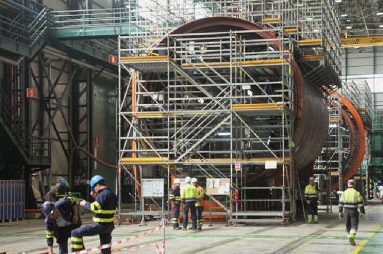 Los submarinos remodelados de España no caben en el muelle