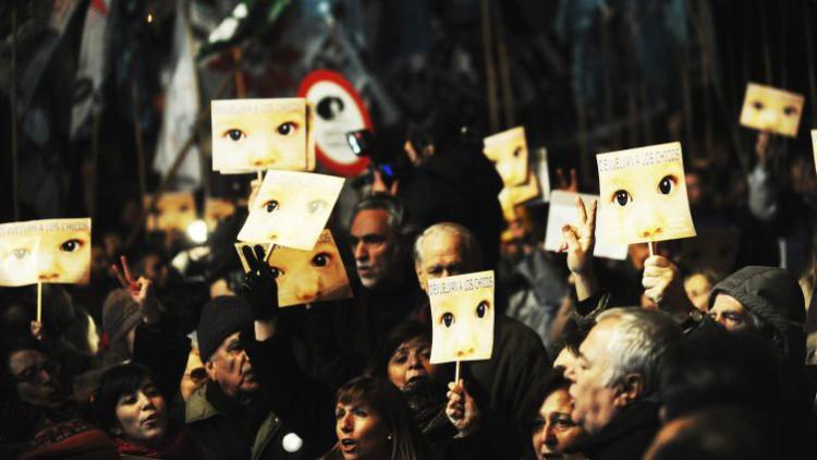 Una mujer canaria denuncia que es una bebé robada en Madrid