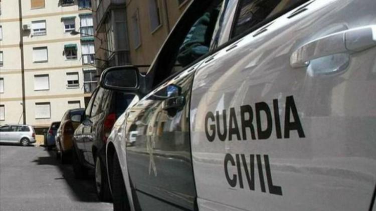 Detenido un hombre por matar a su mujer de dos disparos en Cabana de Bergantiños