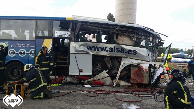 Resultado de imagen de siniestro autobus asturias