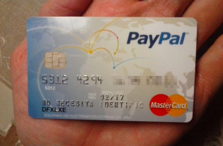 Tarjeta de prepago PayPal de uno de los usuarios afectados