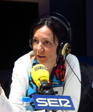 Belén Barreiro en los estudios de la Cadena SER