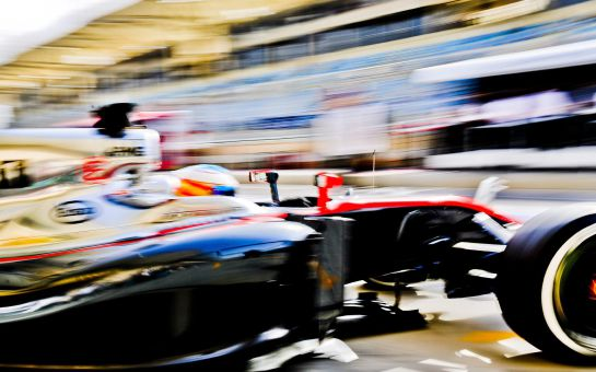 Fernando Alonso, durante los libres del GP de Baréin.