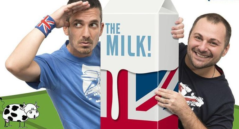 "Damian Mollá y Alberto Alonso enseñan inglés con su libro ""This book is the milk"""