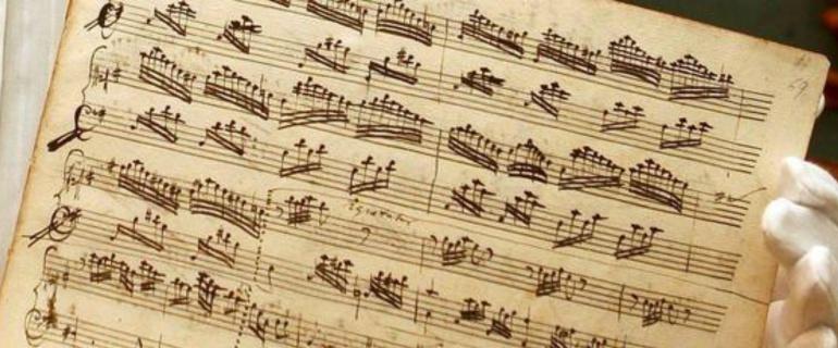 Amadeus Mozart es un gran músico del siglo XVIII, representante del Clasicismo.