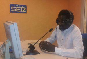 Ismael Diadié en los estudios de la Cadena SER en Almería