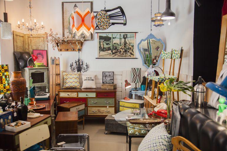 Tiendas de muebles productos armarios with tiendas de - Decoracion de segunda mano ...