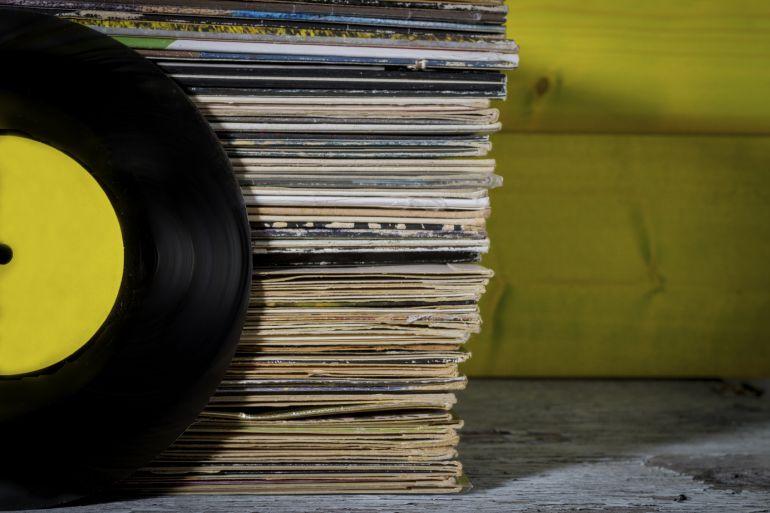 El periodista musical Fernando Neira comparte cada día en sus redes sociales una breve reseña de alguno de los discos de su colección personal