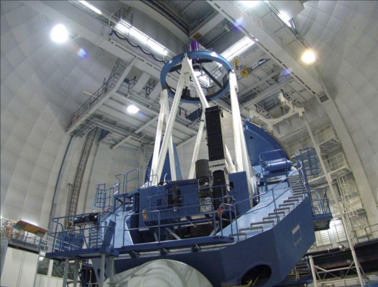 """El instrumento de búsqueda de planetas tipo Tierra """"CARMENES"""" se ha instalado en este telescopio situado en el Observatorio de Calar Alto (Almería) y empezará la búsqueda a principios de 2016."""
