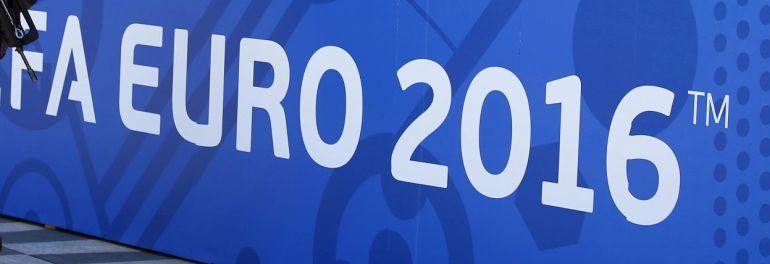 XAH01 NIZA (FRANCIA)Soldados del ejército francés vigilan por la seguridad ante el comienzo de la Eurocopa en la ciudad de Niza, Francia hoy 8 de junio de 2016. Francia ha extremado las precauciones de seguridad durante la celebración del torneo del 10 de junio al 10 de julio. EFEAli Haider