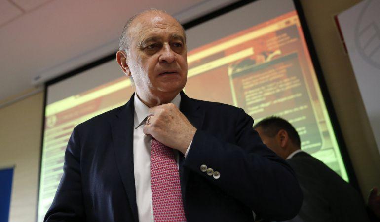 El ministro del Interior en funciones, Jorge Fernández Díaz, durante un curso de verano de la Universidad Complutense de Madrid.