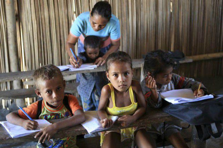 Grupo de niños de Suai Loro, un pueblo de pescadores en Timor- Leste.