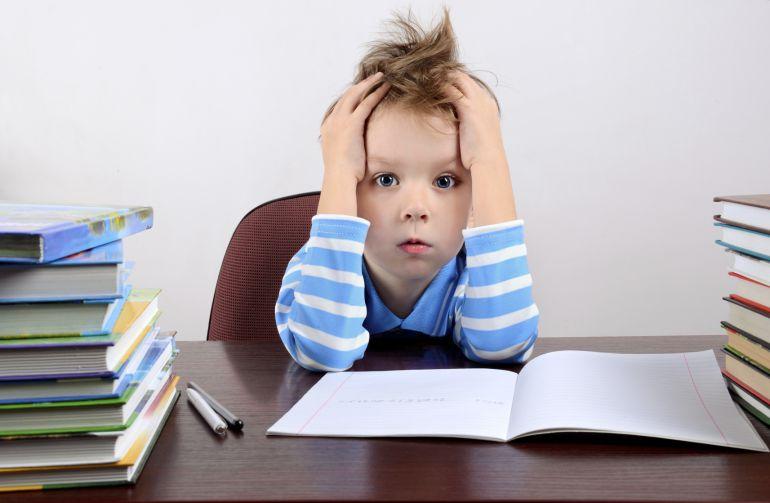 Cómo sobrevivir a los deberes de tu hijo