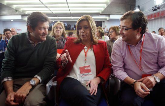 Javier Fernández, Susana Díaz y Guillermo Fernández Vara, durante un comité federal en Ferraz